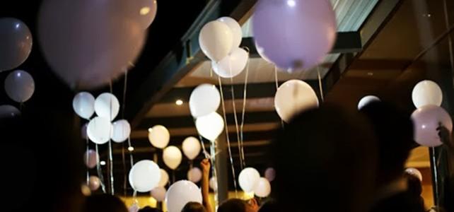 Enlairada de globus amb llum led